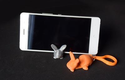 طرح سه بعدی پایه ی گوشی