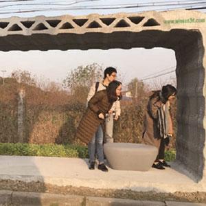 پرینت ایستگاه اتوبوس مستحکم با استفاده از مواد بازیافتی