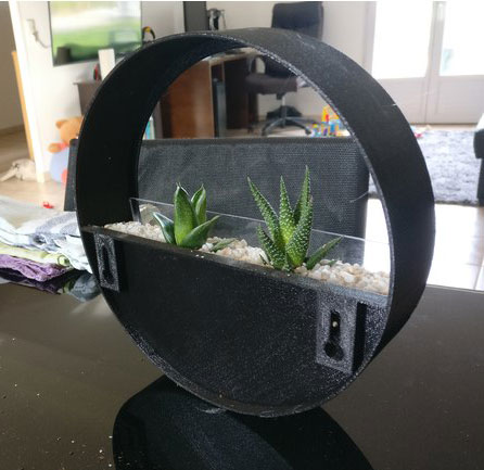 طرح سه بعدی گلدان شیشه ای